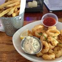 Das Foto wurde bei Bait & Hook Seafood Shack von Amanda A. am 2/11/2013 aufgenommen