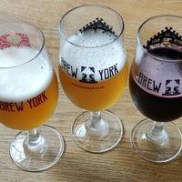 Foto tirada no(a) Brew York Craft Brewery & Tap Room por Mark T. em 9/9/2021