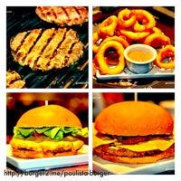 Foto tirada no(a) Paulista Burger por Guia do Hambúrguer em 9/26/2013
