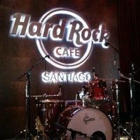 Foto tirada no(a) Hard Rock Cafe Santiago por Felipe H. em 1/23/2013