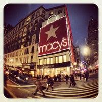 รูปภาพถ่ายที่ Macy's โดย Alexandra D. เมื่อ 3/16/2013