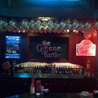 Das Foto wurde bei The Greene Turtle von Blair T. am 2/9/2013 aufgenommen