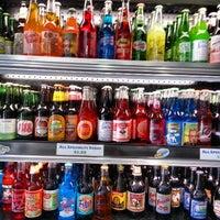Foto scattata a Soda Pop's da Jon B. il 4/21/2013