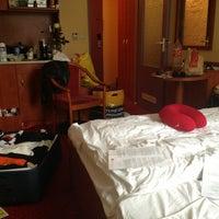 รูปภาพถ่ายที่ Hotel Duo โดย Natalia S. เมื่อ 6/29/2013