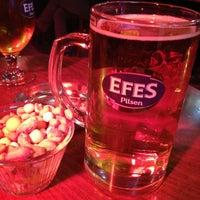 2/6/2013 tarihinde Tolga Ş.ziyaretçi tarafından Aslanım Bar & Bira Evi & Restaurant'de çekilen fotoğraf