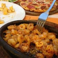 7/20/2013 tarihinde Mithat C.ziyaretçi tarafından Calamar Restaurant'de çekilen fotoğraf