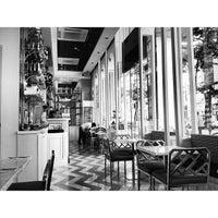 4/3/2013 tarihinde Gen C.ziyaretçi tarafından Da.u.de Tea Lounge'de çekilen fotoğraf