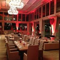 2/15/2013 tarihinde İbrhmziyaretçi tarafından Kalina Bar Restaurant'de çekilen fotoğraf