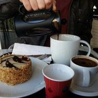 Foto scattata a Starbucks da A. E. C. il 1/2/2013