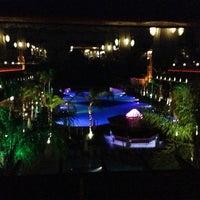 รูปภาพถ่ายที่ Cratos Premium Hotel & Casino โดย Huseyin Y. เมื่อ 4/24/2013