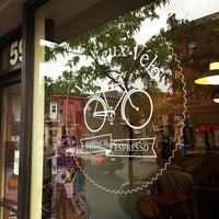 Photo prise au Le Vieux Vélo par Michelle K. le5/24/2013