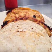 Foto tomada en Tacos de Barbacoa El Amigo por Franchesco el 12/16/2012