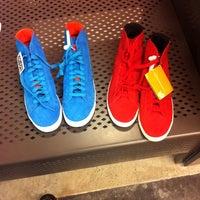 ... Foto tirada no(a) Nike Factory Store por Eliade F. em 5  ... 8bed5c09a2df4