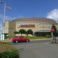 รูปภาพถ่ายที่ Chinook Winds Casino Resort โดย Tami K. เมื่อ 6/13/2013