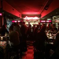 Foto scattata a Genuine Liquorette da gmcov il 10/20/2015