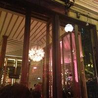 10/13/2013에 Arsun A.님이 The House Café에서 찍은 사진