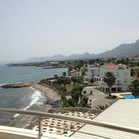 รูปภาพถ่ายที่ Vuni Palace Hotel โดย KLY เมื่อ 6/9/2013