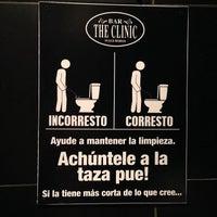10/4/2013 tarihinde Gustavo C.ziyaretçi tarafından Bar The Clinic'de çekilen fotoğraf