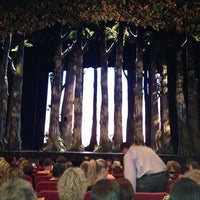 Foto tirada no(a) Cinderella on Broadway por Sebastian F. em 6/28/2013