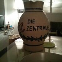 Foto diambil di Die Zentrale Coworking oleh Mario H. pada 2/8/2013