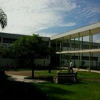 Das Foto wurde bei PUC Minas von Fernando P. am 3/11/2013 aufgenommen