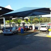 Photo prise au Acqua Car Wash par Jose A. le2/17/2013