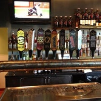 Photo prise au DuClaw Brewing Company par A L. le6/2/2013