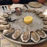 รูปภาพถ่ายที่ Mermaid Oyster Bar โดย Anna Y. เมื่อ 6/4/2013