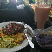 5/26/2013にNyoman R.がAbuba Steakで撮った写真