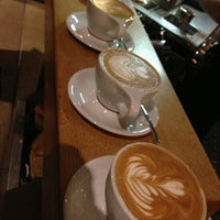 Foto tomada en Intelligentsia Coffee & Tea por Matt S. el 1/6/2013