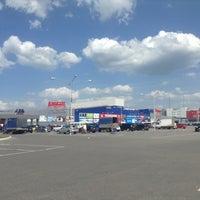 Das Foto wurde bei ТРЦ «Караван» / Karavan Mall von Лёша К. am 5/27/2013 aufgenommen
