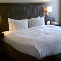 10/4/2011にIZZY S.がMagnolia Hotelで撮った写真