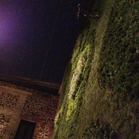 Das Foto wurde bei Padrinos von Alejandra A. am 3/31/2013 aufgenommen