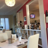 Foto diambil di Storyville Hotel Cinquale oleh Metin pada 10/3/2018