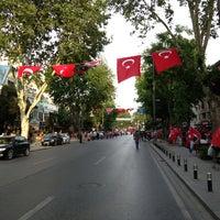 5/19/2013 tarihinde Cihan T.ziyaretçi tarafından Bağdat Caddesi'de çekilen fotoğraf