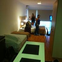 Foto tomada en Massini Suites por Felype W. el 4/13/2013