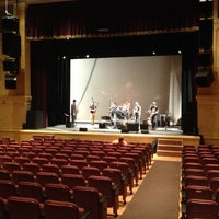 3/2/2013에 john r.님이 Ridgefield Playhouse에서 찍은 사진