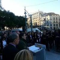 Foto scattata a Plaza de la Marina da Victoria A. il 2/4/2013