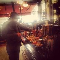Photo prise au Le Grand Bistro & Oyster Bar par Ginger P. le11/24/2012