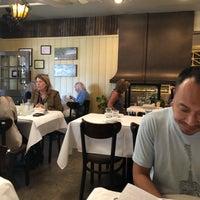 Das Foto wurde bei Los Olivos Wine Merchant Cafe von Ryan B. am 10/4/2019 aufgenommen