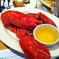 Foto scattata a Legal Sea Foods da Ella il 10/31/2012
