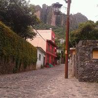 Foto tomada en El Cerro del Tepozteco por Liam el 7/24/2013