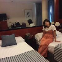 Foto tomada en Hotel Olympia por Yukari S. el 9/9/2017