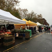 Das Foto wurde bei Inwood Farmers Market von Doug L. am 11/1/2014 aufgenommen
