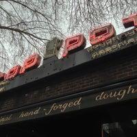 Das Foto wurde bei Top Pot Doughnuts von Jason B. am 2/21/2013 aufgenommen