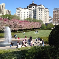Foto tomada en Conservatory Garden por Samuel R. el 4/27/2013