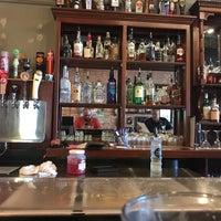 รูปภาพถ่ายที่ Father Tom's Pub โดย Andrew N. เมื่อ 10/4/2017