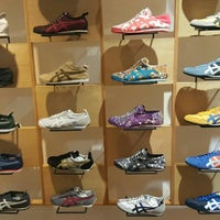 Onitsuka Tiger - Shoe Store in
