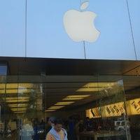 6/2/2013 tarihinde Manoel Frederico S.ziyaretçi tarafından Apple Town Square'de çekilen fotoğraf
