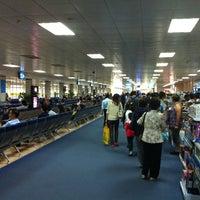 Photo prise au Tan Son Nhat International Airport par Mikhail B. le4/10/2013